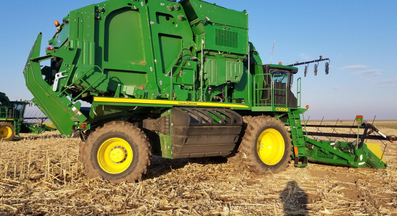 2017 JOHN DEERE CS690 For Sale