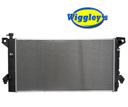 RADIATOR FO3010287 FOR 09-14 FORD EXPEDITION F150 F250 F350 SUPER DUTY 4.6L 5.4L image 1