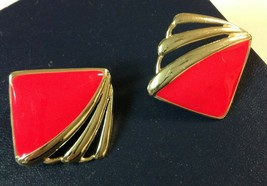 """1.25"""" Square Red Enamel Gold Tone Clip-On Earrings Clean Vintage Fashion - $2.80"""