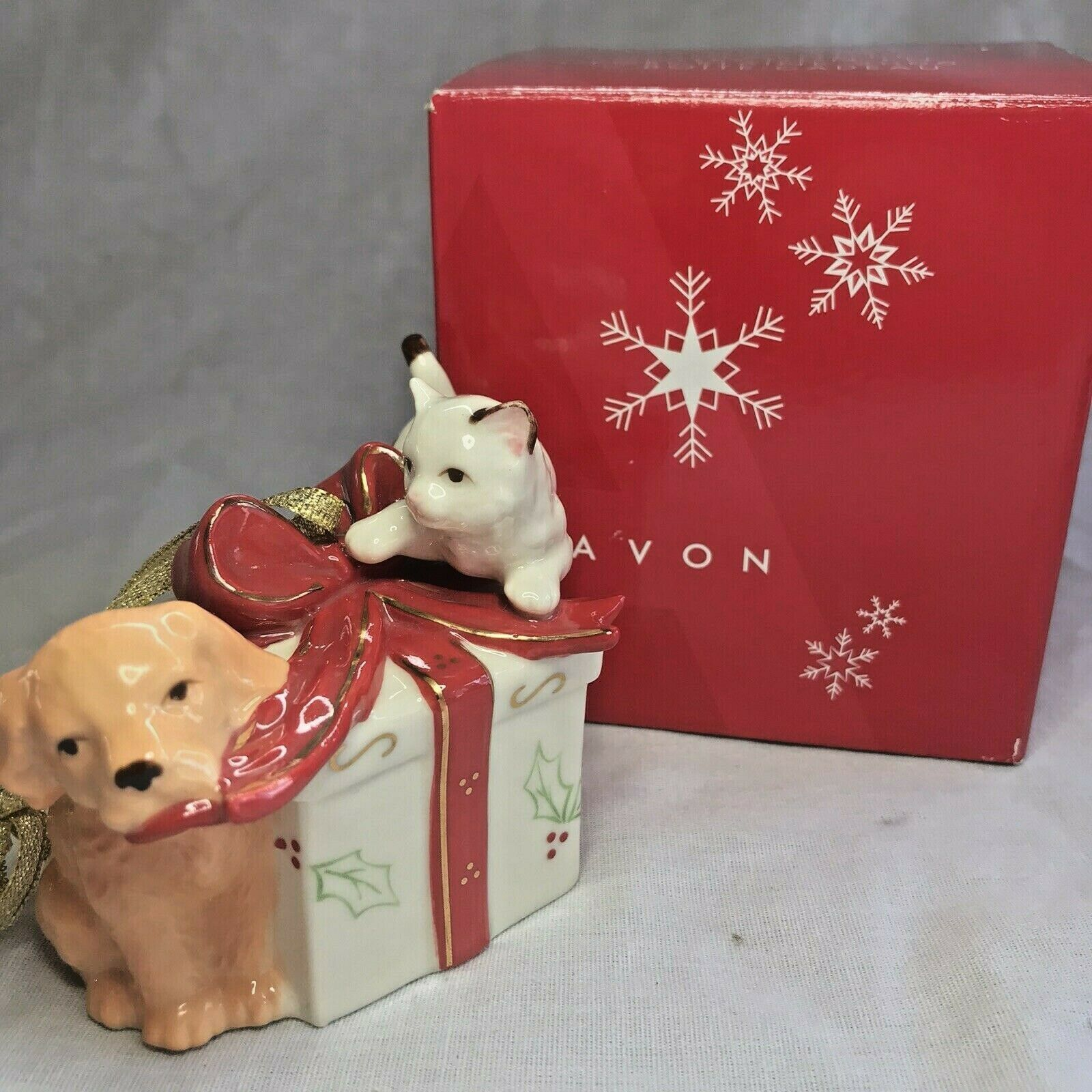 Avon 2006 Collectible Porcelain Gift Box Ornament Christmas Decoration Xmas