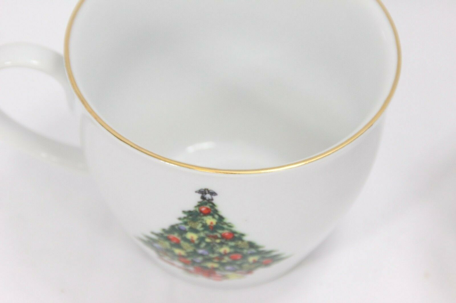 Jamestown Xmas Treasure Bowls Cups Saucers Lot of 12 image 8