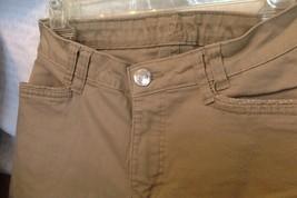 Riders by Lee Women's Capri Pants Khaki Color Cuffed Hem Cropped Pants Size 10M - $9.85