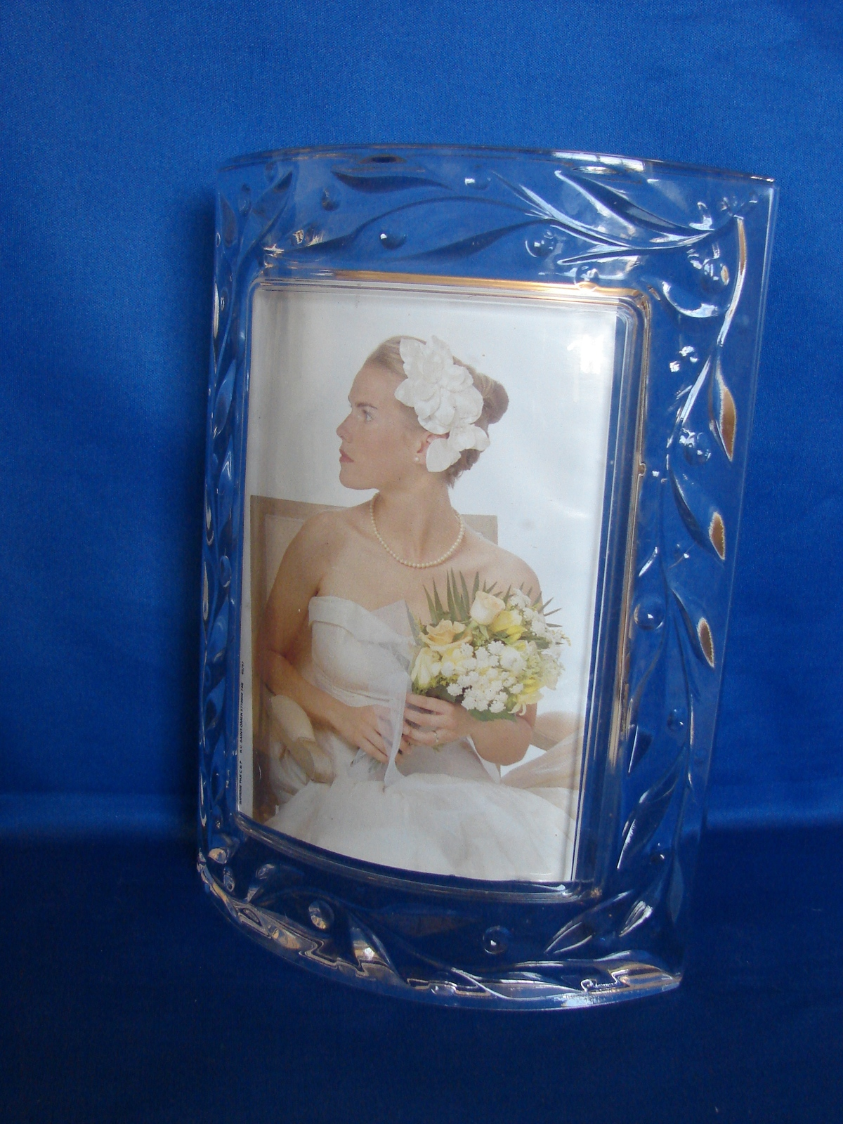 Mikasa Crystal Curved Picture Frame, 3 x 5 Crystal Celebrations Frame