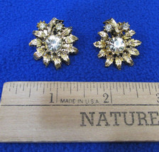 Gold Tone Metal Clip On Earrings Flower w/ Large Clear Rhinestone Center... - $9.89