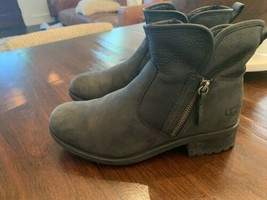 UGG ankle Boots black Moto US 7 leather shoes side zip F1926F  - $59.39