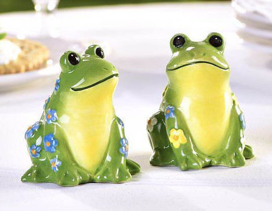 Frog Design Salt & Pepper Shakers Set of 2 Ceramic Green & Yellow