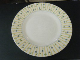 "Pfaltzgraff Melissa Pattern Blue Flowers Luncheon or Salad 8 3/8"" Plate - $14.84"