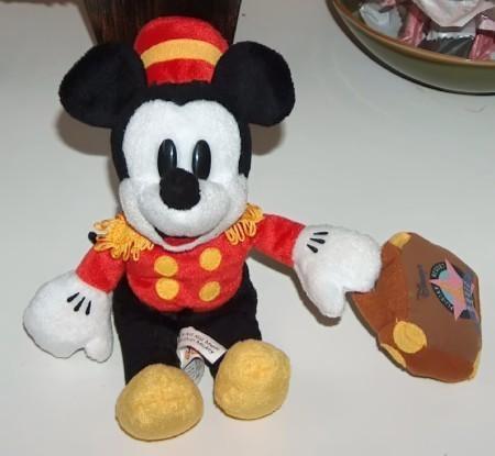Mickey bellhop2