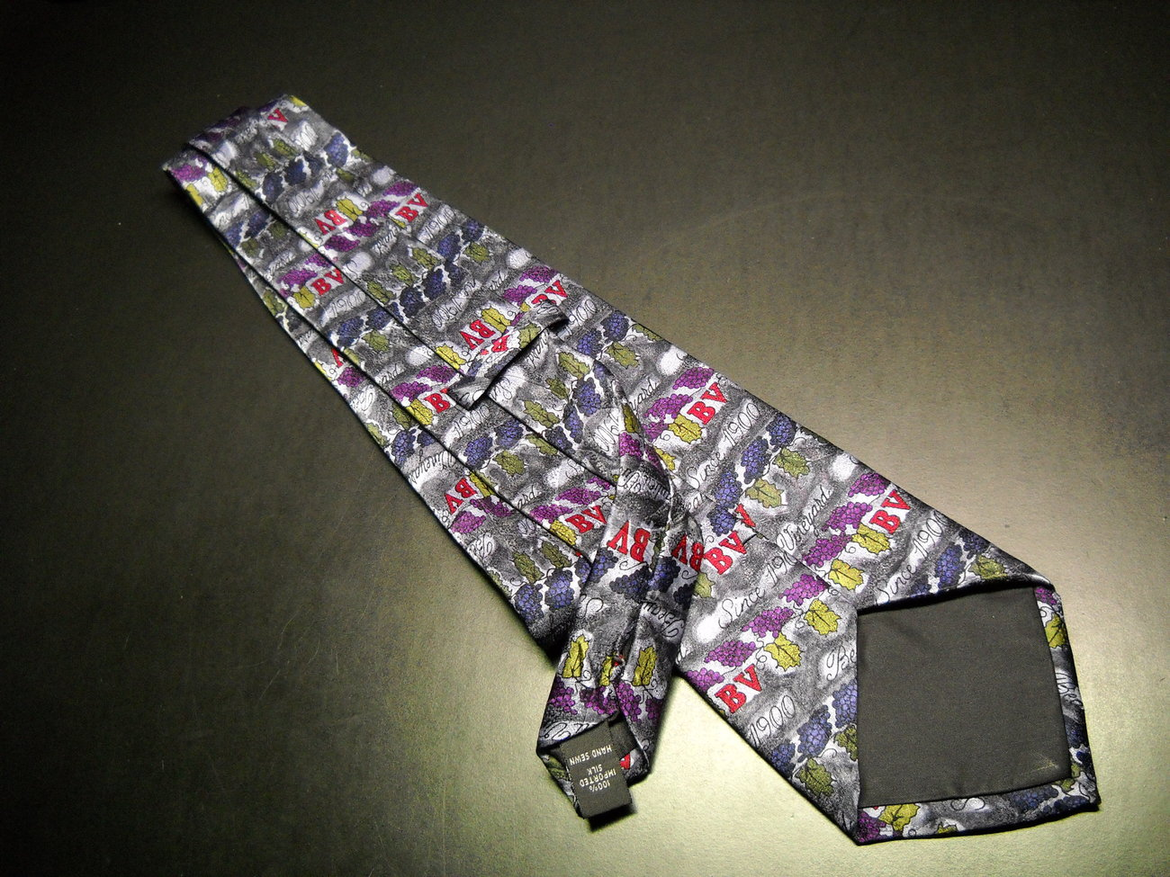 Beaulieu Vineyard Dress Neck Tie BV Since 1900 Bands of Vineyard Grapes Leaves