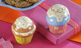 Cupcake Salt & Pepper Shakers Party Ceramic New