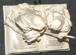 Pure White Music Box of Mary, Joseph and baby Jesus on a Bible AA19-1643 Vintag image 5