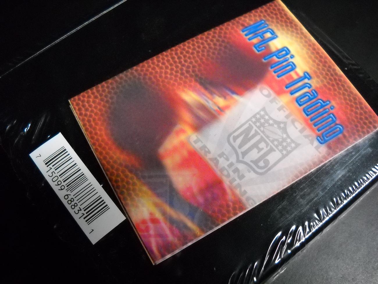 NFL Football Super Bowl XXXVII Commemorative Pin Set Original Transparent Case