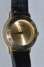 Vintage ''TIME'' women's quartz watch, Leather band,  Runs,  NEW BATTERY image 4