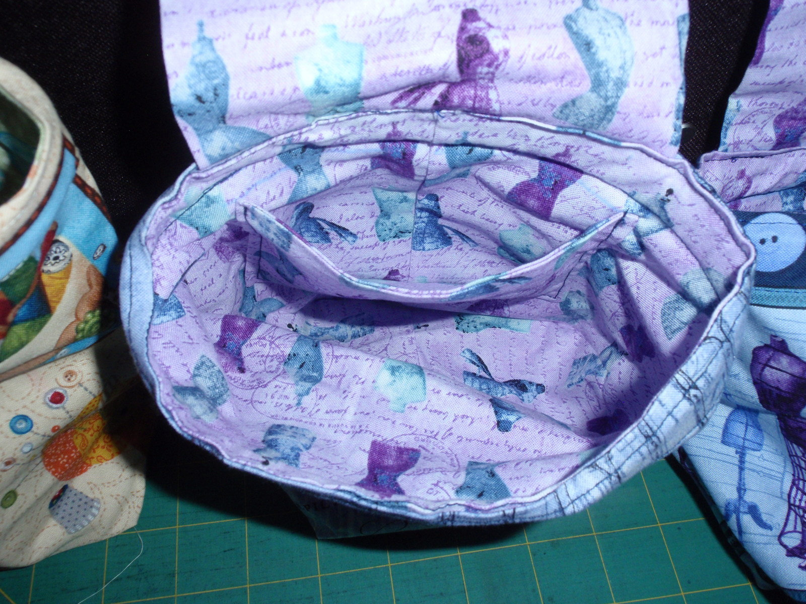 Handmade Pin Cushion,Thread Catcher, Remote Holder Bag Novelty Sewing Fabric   image 7
