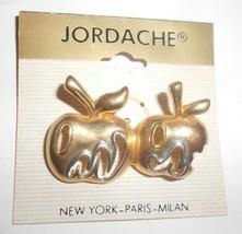 vintage jordache apple brooch in nice shape new - $15.83