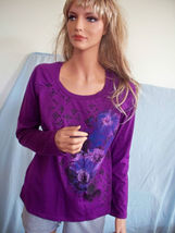 SMALL 6 8   T Tee Shirt Pullover RHINESTONE PURPLE BLUE BLACK FLORAL TUN... - $16.98