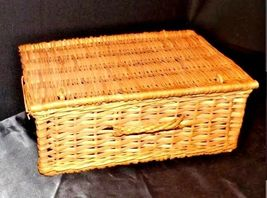 Woven Basket with Lid and Handle AA18 - 1133 Vintage image 3