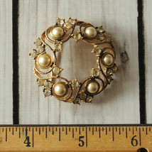 vintage gold tone tone signed Monet rhinestone round brooch pin faux pearl - $14.84
