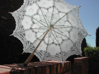 "White ""Victorian"" Parasol with lace"