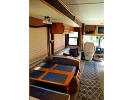2005 Fleetwood PACE ARROW 37C For Sale in Carlsbad, California 92010 image 4