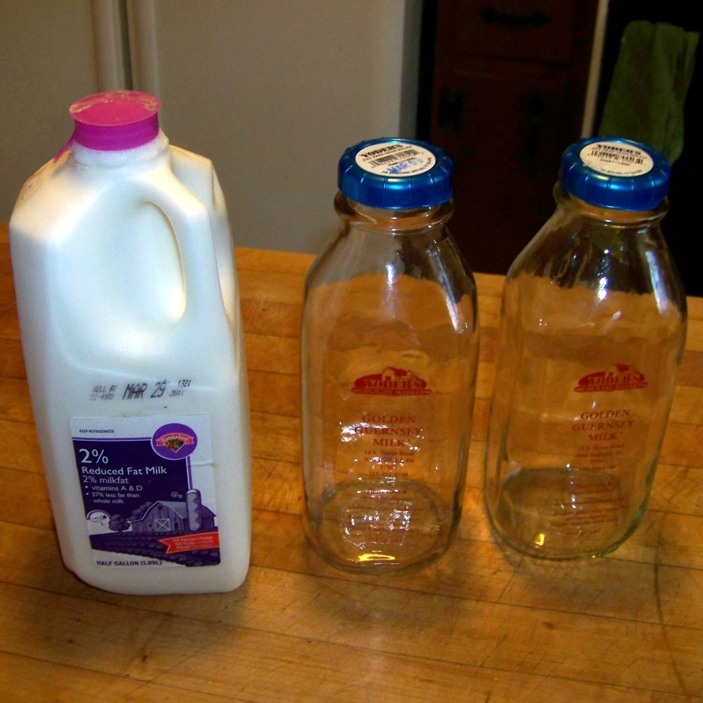 2 quart glass milk bottles with lid
