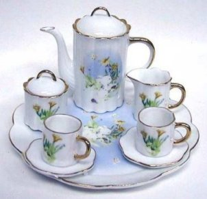 PORCELAIN BUNNY RABBIT TEA SET