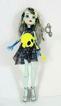 Monster High Frankie Stein Doll Mattel Gloved Hands Includes 2 Masks 11 ... - $16.82