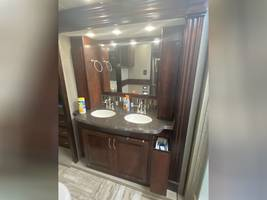 2018 FLEETWOOD DISCOVERY LXE 39F FOR SALE  image 12