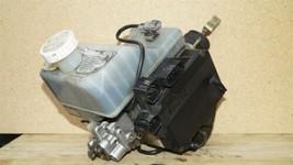01-02 Mitsubishi Montero Limited Abs Brake Pump Assembly MR527590 MR407202 image 2