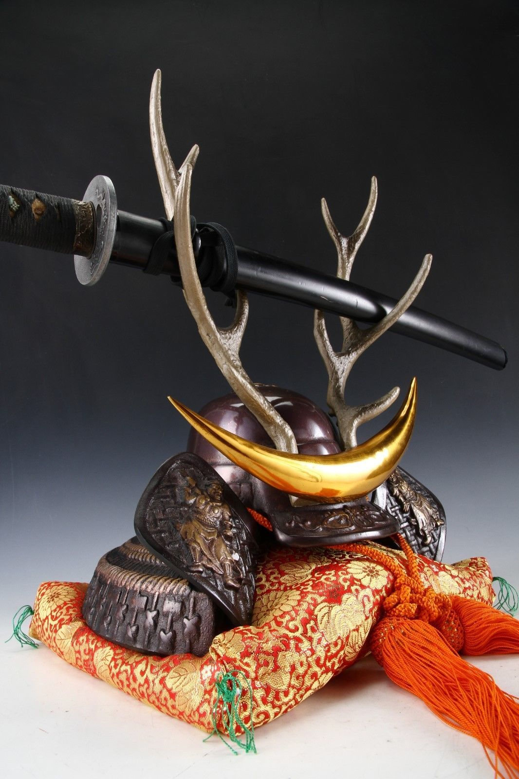 Japanese Beautiful Samurai Helmet -shikanosuke kabuto- with a Replica Blade image 7