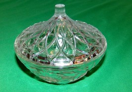 Highly Detailed Glass Candy Dish with lid 5.5 Inches Starburst and Flower - $9.85