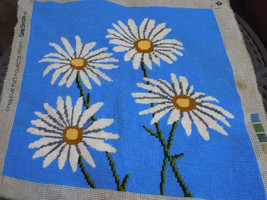 Needlepoint Canvas WHITE DAISIES Preworked 17x16 VTG Sew Simple - $25.65