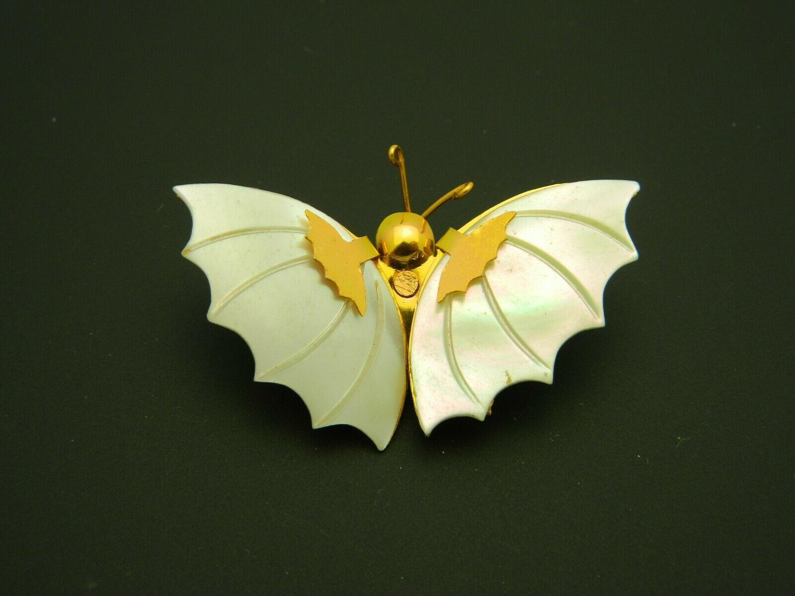 Mother of Pearl Gold Tone Butterfly Pin Brooch Vintage image 2