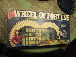 9#   1985 Wheel Of Fortune  2-4 players Age 8 & Up Real Nice - $22.76