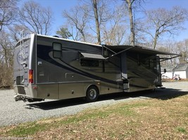 2007 Fleetwood Providence 40E Used Class A in Georgetown , Delaware 19947 image 2