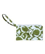Clutch with a Twist - Fisheye Olive - Global Mamas (P) - $336,01 MXN
