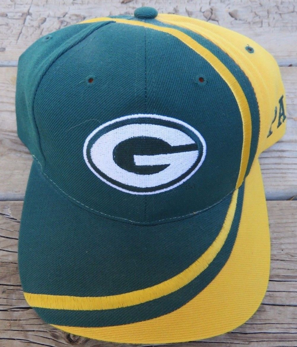 2549bb2ca99 NFL Green Bay Packers Reebok Snapback and 50 similar items. S l1600