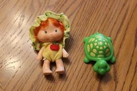 Vtg 1979 Strawberry Shortcake Doll figure Baby Apple Dumplin Tea Time Tu... - $16.42