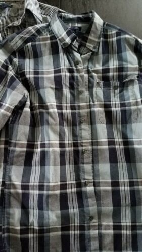 Mens Gap Button up Lot size small, slim fit