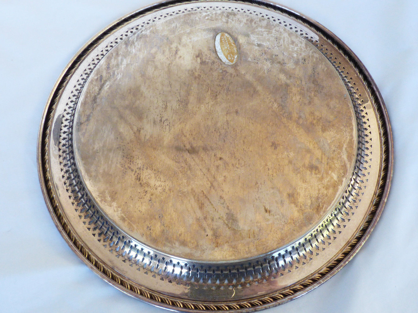 "VTG Wm. A. Rogers by Oneida Silver Plated 12"" Serving Tray round pierced edge"