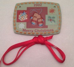 Longaberger 2002 Merry Christmas Mittons Basket Tie-on Retired - $10.78