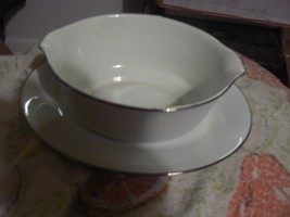 Noritake gravy boat with underplate (Reina) 2 available - $20.79