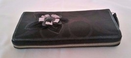 Coach Flower Applique Wallet Black EUC - $23.36