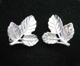 Sarah Coventry PETITE EARRINGS Leaf Ivy Vintage Silvertone CLIP ON Clips... - $14.99