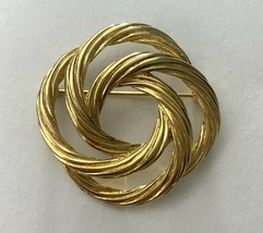 Monet Gold Tone Round Open Work Brooch Pin Vintage Signed Wreath Circle Textured - $14.80