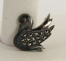 VINTAGE Jewelry STERLING SILVER & MARCASITE FIGURAL SWAN BROOCH - €12,70 EUR