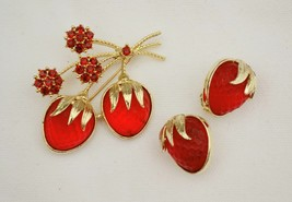 Vintage set Avon glowing strawberries brooch & earrings molded stones rh... - $32.66