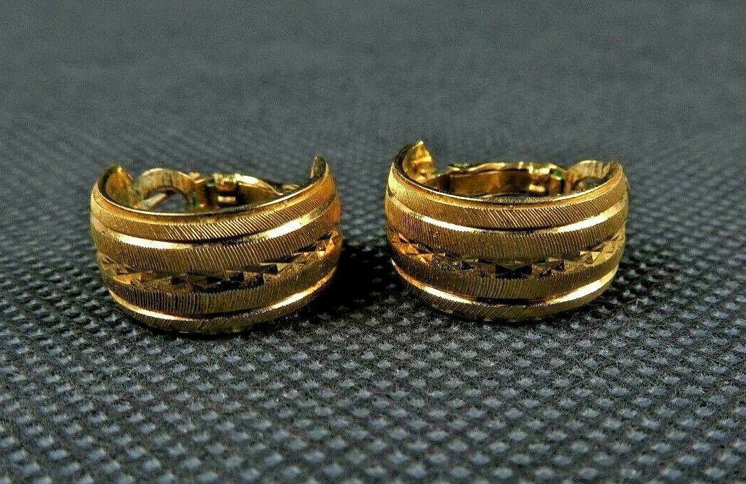 TRIFARI Vintage Gold Tone Small Hoop Earrings With Beautiful Design