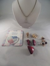 Jewelry Lot Brooches Earrings and More 1M1 - $9.89