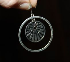 VTG 80s Silver Tone Concentric Circles Dangle/Drop Loop Pierced Earrings image 2